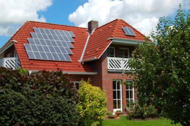solar-powered-house-pv-panels-thumb-425x2821