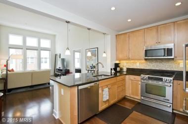 AR8562631 - Kitchen